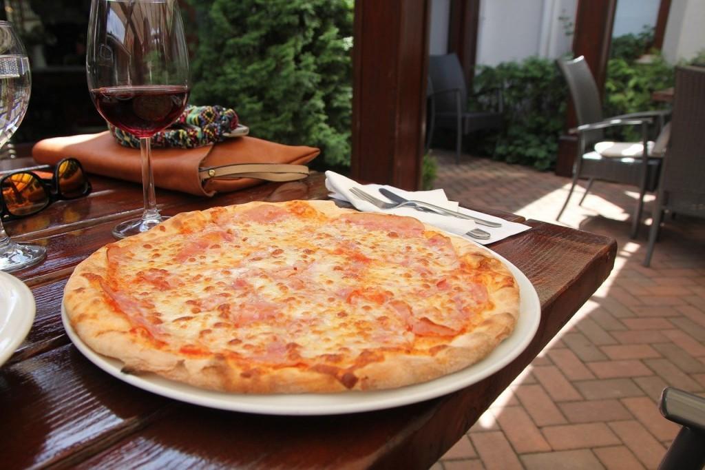 その8 ピザを食べる時のマナー
